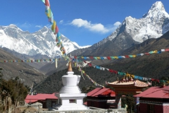 hr102-stupa-dingboche-mones
